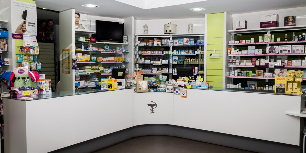 interior-farmacia-alfafar