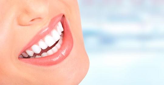 Presume de sonrisa en nuestro mes del cuidado bucodental